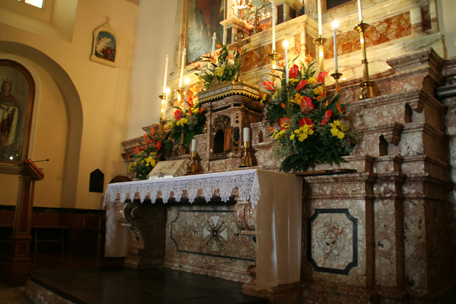 alter-at-padre-pio-chapel.jpg