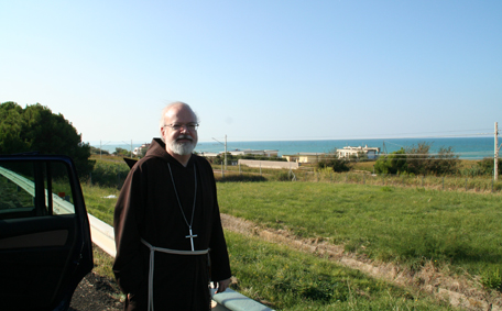 cardinal-with-adriatic-sea.jpg