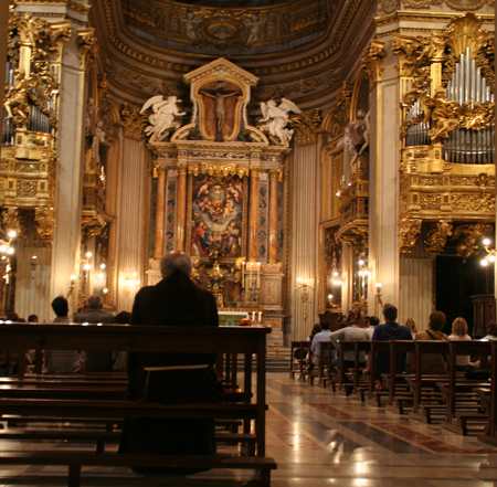 chiesa-nuova-public-mass.jpg