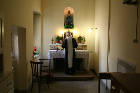 padre-pio-small-chapel.jpg