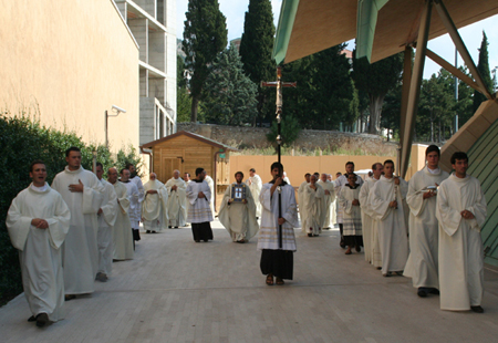 procession-1.jpg