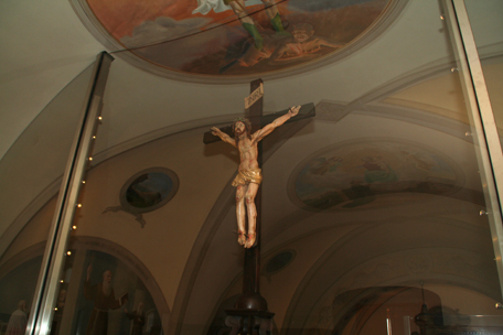 the-actual-crucifix-that-padre-pio-was-praying-in-front-of-when-he-received-his-stigmata.jpg