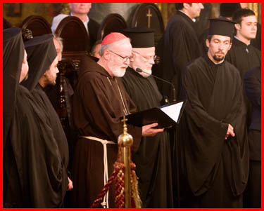 Differences & Similarities Between Eastern Orthodox Catholics & Roman Catholics