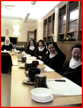 blog08-01-11_carmelites1.jpg