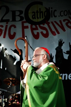 8/9/08 -- Framingham -- Proud 2B Catholic Festival<br /> Cardinal Sean said saturday night mass at the music festival, Proud 2B Catholic, held in Framingham.<br /> Photo By:<br /> Robea Patrowicz