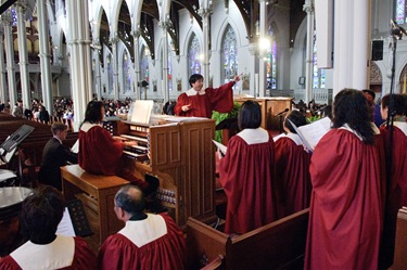 Mass to close the bicentennial of the the Archdiocese of Boston, Nov. 23, 2008 at the Cathedral of the Holy Cross.<br /> Pilot photo/ Neil W. McCabe