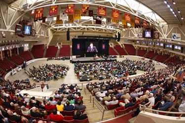 Boston Catholic Men's Conference, April 18, 2009, Boston College's Conte Forum.   Pilot photo/ Gregory L. Tracy