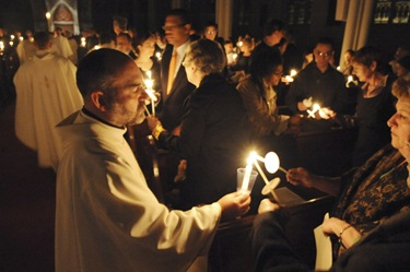 Easter vigil with Cardinal Sean P. O'Malley at the Cathedral of the Holy Cross in Boston, Saturday, April 11, 2009. (Photo/Lisa Poole)