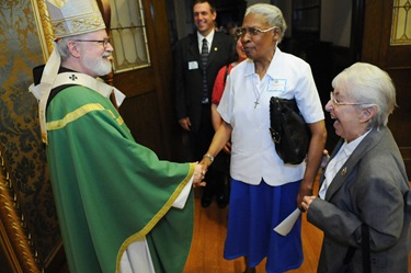 Following the Mass with Cardinal Sean O'Malley and the Serrans at the chapel of St. John's Seminary in Brighton, Mass., Friday, June 26, 2009. (Photo/Lisa Poole)