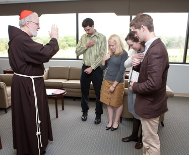 Members of FOCUS campus ministry meet with Cardinal Seán P. O'Malley in his office Sept. 17, 2009. Pilot photo/ Gregory L. Tracy