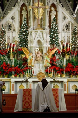 20091231 - Cardinal Sen P. OMalley celebrates a Holy Hour and Mass Dec. 31, 2009 at the Cathedral of the Holy Cross to celebrate the New Year and the Feast of Mary Mother of God. Iraq native and Boston Univeristy campus minister Sister Olga Yaqob offered a reflection at the Holy Hour.&#10;Photo by Gregory L. Tracy, www.GregoryTracy.com