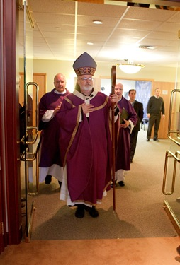 Cardinal Sean P. O'Malley celebrates Ash Wednesday Mass at the Archiocese of Boston's Pastoral Center in Braintree, Mass., Feb. 17, 2010. Pilot photo by Gregory L. Tracy