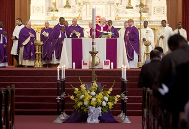 Cardinal Seán P. O'Malley celebrates a memorial Mass at the Cathedral of the Holy Cross March 7, 2010 for the victims of the Jan. 12 earthquake in Haiti. Pilot photo by Gregory L. Tracy