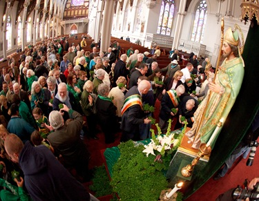Cardinal Sean P. O'Malley celebrates St. Patrick's Day Mass at Boston's Cathedral of the Holy Cross March 17, 2010. Pilot photo by Gregory L. Tracy