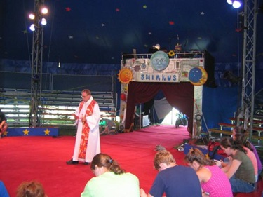 Blessing_of_Youth_Circu_Circus_Smirkus_Revere_MA_Dec__08_op_600x450