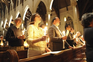 Easter Vigil with Se‡n Cardinal OÕMalley at the Cathedral of the Holy Cross in Boston, Saturday, April 3, 2010.  (Photo/Lisa Poole)