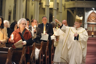 Easter Vigil with Seán Cardinal O'Malley at the Cathedral of the Holy Cross in Boston, Saturday, April 3, 2010.  (Photo/Lisa Poole)