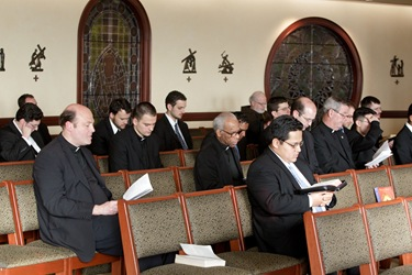 Boston Seminarians gather with Cardinal O'Malley April 30, 2010. Photo by Gregory L. Tracy, The Pilot