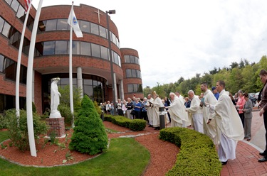 May Crowning Ceremony at the Archdiocese of Boston's Pastoral Center May 6, 2010. Photo by Gregory L. Tracy, The Pilot