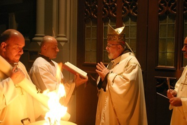 Cardinal Sean P. O'Malley celebrates the Easter Vigil April 23, 2011 at the Cathedral of the Holy Cross.  Pilot photo by Jim Lockwood