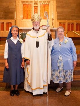 25th Jubilarians Sister Maria Noel Maccabulos, FSP and Sister Janine Savoie, SSCh.