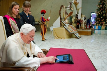 POPE-TWEET