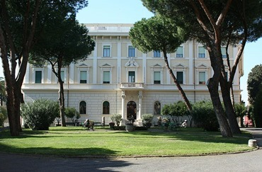 800px-Irish_College,_Rome