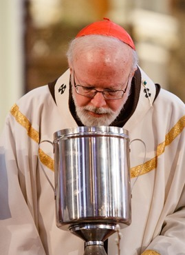 Cardinal Sean P. O'Malley celebrates the Chrism Mass March 26, 2013 at the Cathedral of the Holy Cross. The Mass at which sacred oils are blessed is also an occasion to celebrate priestly fraternity.&lt;br /&gt;&lt;br /&gt;&lt;br /&gt;&lt;br /&gt;<br /> Pilot photo/ Gregory L. Tracy&lt;br /&gt;&lt;br /&gt;&lt;br /&gt;&lt;br /&gt;<br />