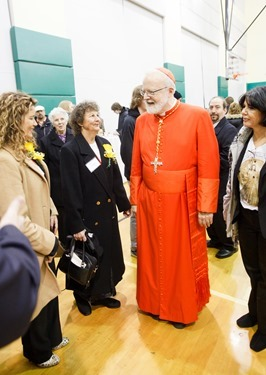 Cardinal Seán P. O'Malley greets Cheverus Award recipients and their guests at a reception at Cathedral High School following the Nov. 24, 2013 Cheverus Award ceremony. Pilot photo/ Gregory L. Tracy