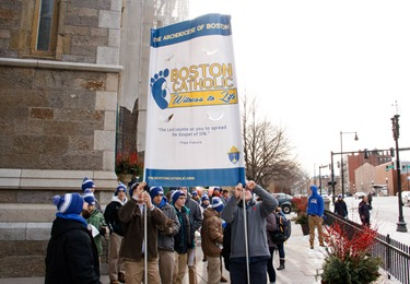 Boston Witness to Life gathering at the Cathedral of the Holy Cross in Boston Jan. 22. 2016. Pilot photo/ Mark Labbe