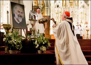 Cardinal O'Malley celebrates the evening Mass Feast of St. Padre Pio Sept. 23, 2016 at the Cathedral of the Holy Cross. Pilot photo/ Mark Labbe