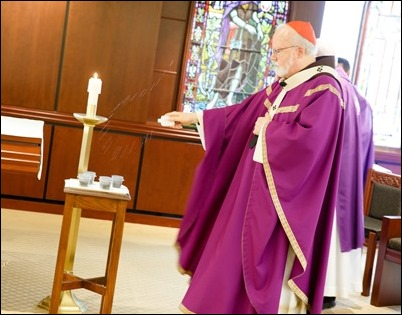 Cardinal Sean O'Malley celebrates Ash Wednesday Mass at the Archdiocese of Boston's Pastoral Center March 1, 2017. Pilot photo/ Gregory L. Tracy