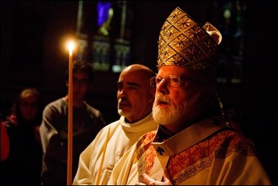 Cardinal O'Malley celebrates the Easter Vigil April 15, 2017 at the Cathedral of the Holy Cross. Pilot photo/ Mark Labbe.