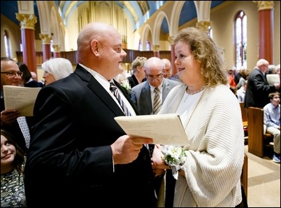 Silver and Golden Wedding Anniversary Mass celebrate by Cardinal O'Malley at St. Mary's Church in Waltham, Oct 25, 2018. Pilot photo/ Gregory L. Tracy